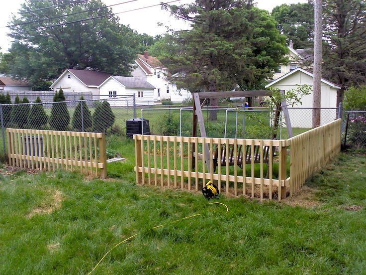 17 diy garden fence ideas to keep your plants cheap on backyard fence landscaping id=22415