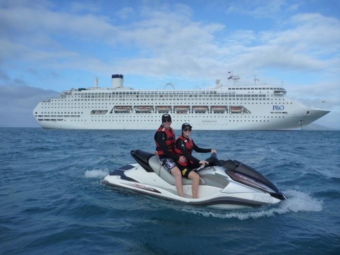 P  O Cruise Ship - Airlie Beach