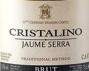 Cristalino Brut Et vittig ordspill. Den dyre, berømte Cristal champagne koster 1600 kr. Cristalino koster under hundrelappen. Enkel og fruktig, men med personlighet, sjarm og ettersmak av aprikos og honning. 5/6 Poeng99 kr.