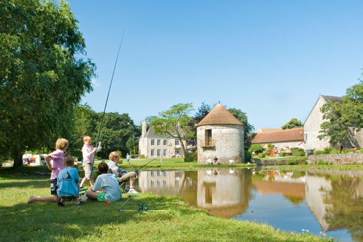 Castel Chateau de Lez-Eaux #camping #lescastels #5etoiles #Normandie #Montsaintmichel #Normandy #swimmingpool #piscine #location
