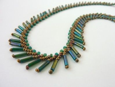 FREE beading pattern for necklace and earrings, using St. Petersburg stitch with bugle beads for fringe and feather effects -- very easy and versatile.