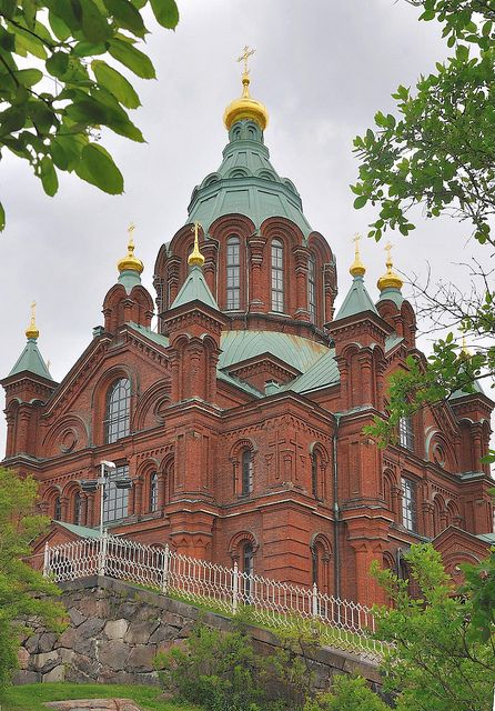#Uspensky Cathedral and Alexander The Great Memorial made me think of how much Finland and Russia have in common~ Helsinki, Southern Finland