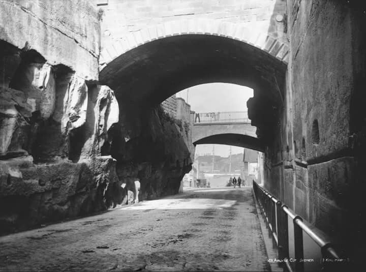 Argyle Cut at the Rocks,Sydney in the late 1800s.