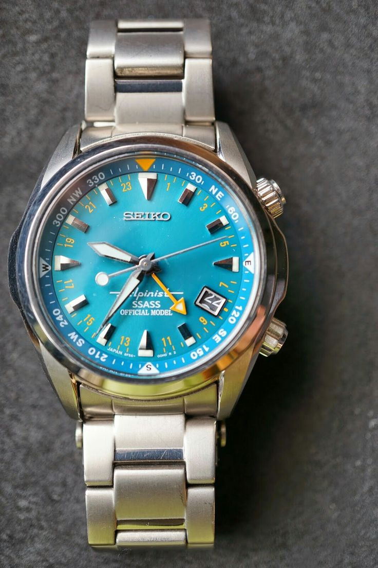 Seiko Alpinist SSASS SSASS Official limited model. It features a blue-green dial. Alpinist SBCJ023 PROSPEX 2003/11 Quartz titanium 10 ATM water resistant simple compass with calendar in conjunction with a time difference correction function