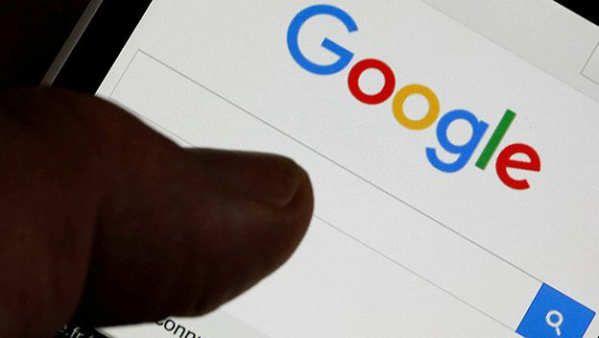Es bastante habitual que la gente de Google vaya estrenando una serie de características sin previo aviso en la mayoría de sus productos, y recientemente pasaba con el buscador de Google que añadía dos nuevos botones o bien se cambiaba el diseño en los resultados de búsqueda en móviles. Pues bien, la nueva actualización en el buscador de Google es un comparador de teléfonos que algunos usuarios están ya disfrutando.El...