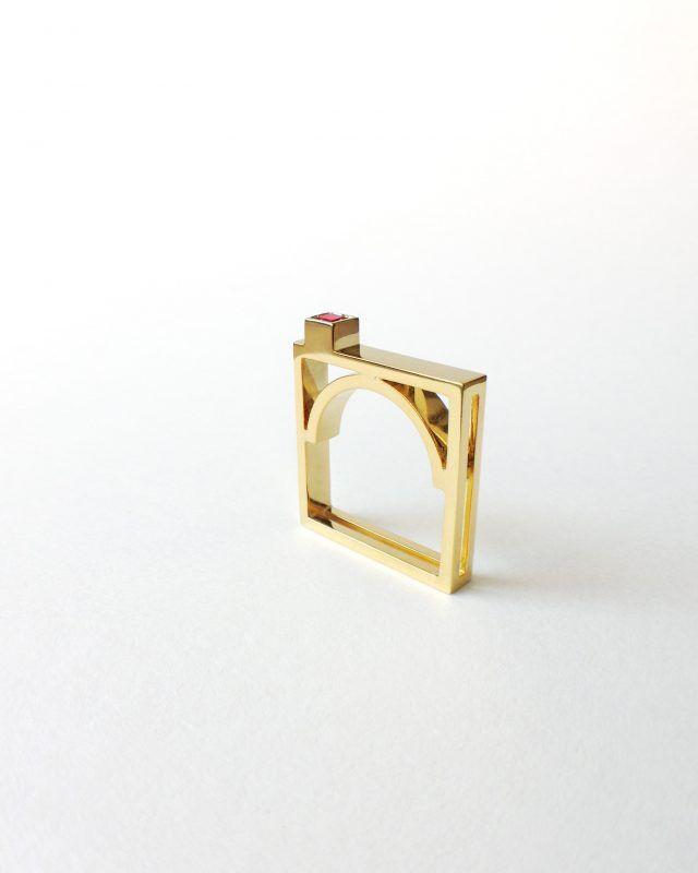 ARCH RING. Geometric Obsession Jewelry Collection #oro #gold #rubies #anello #architecturaljewelry #finejewelry #ring #rubino #ruby #gioielli #jewels #jewel #jewelry SHOP www.danielacoppolino.com
