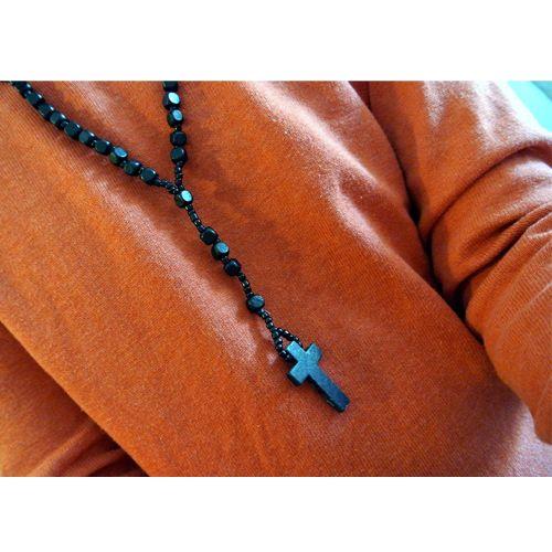 Wooden RosaryUnisex Puuhelmistä punottu pitkä ristikoru. Musta ja aivan tummanruskea. - See more at: http://somemore.fi/tuotteet.html?id=16/181#sthash.k1euRFDI.dpuf