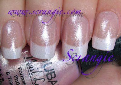 Ok DEFINATELY want my nails like this for my wedding!
