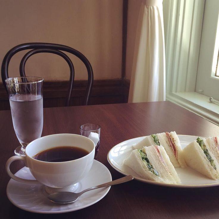 気になっていた亀田山喫茶室で端正なサンドイッチをいただきました きゅうりとハム #亀田山喫茶室 #興雲閣 by azukki