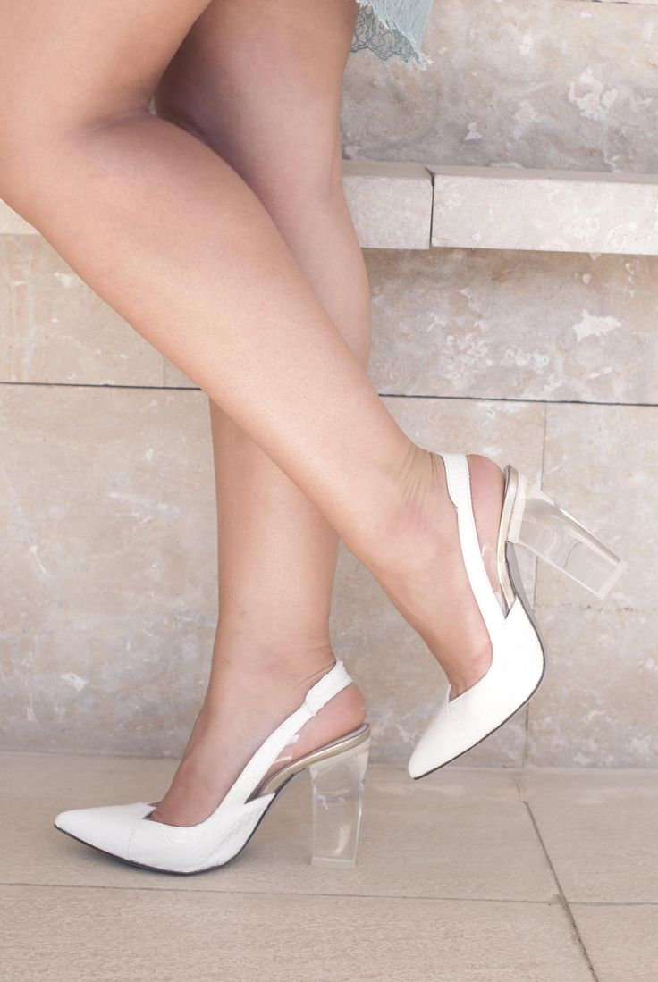 http://www.theguestgirl.com/  #shoes #peeptoes #newin #piton #love #wedges #calzado #fashion #new #ootd #legs