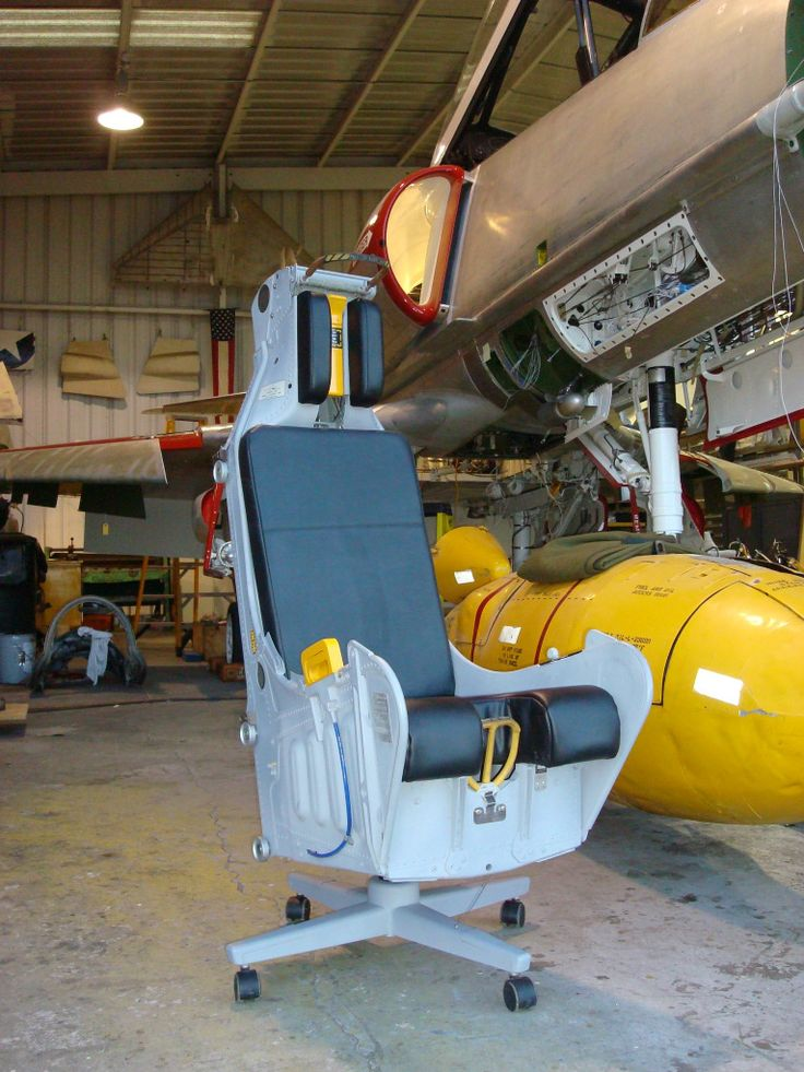 Utterly pointless and unpractical, but kind of want it - A4 Skyhawk Ejection Seat convert to desk chair