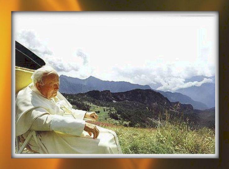 Mystics una delle immagini della vacanza papale in valle d'aosta, fra il 9 e il 20 luglio del 2001. qui giovanni paolo ii è a les combes