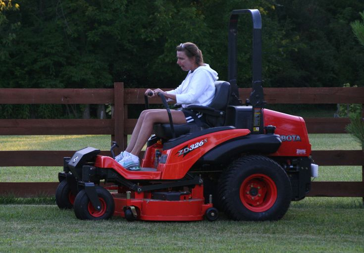 New Kubota ZD326s diesel 'zero-turn' mower | My Desultory Blog