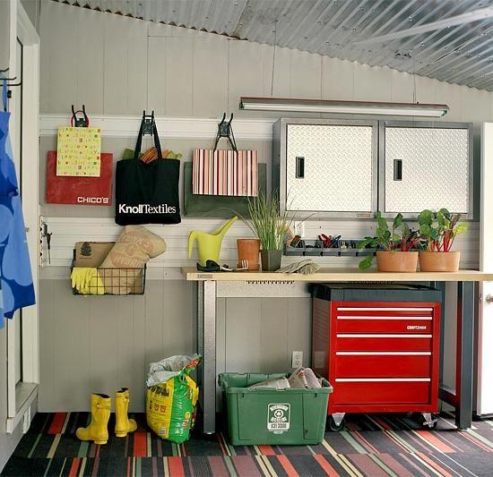Хранения Сад и верстак в гараже