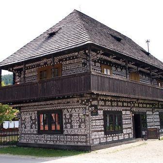 Čičmany - Slovakia.travel