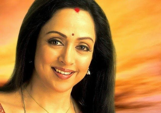 Dharamji, child-like always: Hema Malini « Bollywood Movie News, Hot Celebrity News, Tamil Movie News, Hindi Movie News