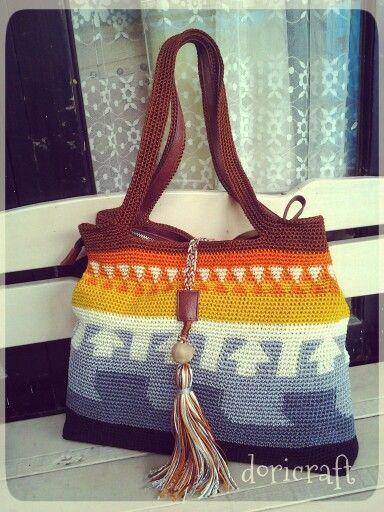 Tapestry crochet bag by Ari doricraft. made from Indonesia nilon yarn