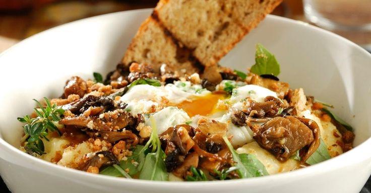 Dê aquela mudada na receita de polenta com um molho de cogumelos crocantes. Clique ao lado para ver a receita