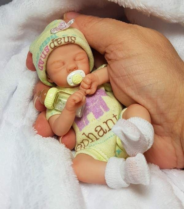Ooak Miniature Newborn Polymer Clay Art Doll Baby Girl Collectible Dawn Mcleod Clay Baby Reborn Baby Dolls Newborn Baby Dolls
