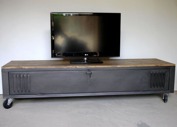 Vestiaire transform en meuble tv industriel metal et - Table tv a roulettes ...