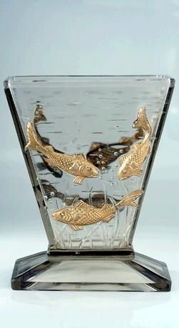 c.1920s 30s ART DECO GLASS AQUARIUM VASE WITH RELIEF MOULDED FISH, PROBABLY BACCARAT