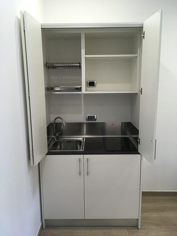 Esempi di realizzazioni | Mini Cucina a scomparsa, Rollaway ...