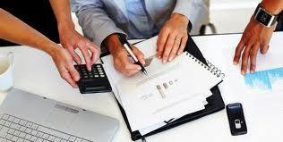 Merhaba değerli okurlarımız; bu yazımızda forex piyasalarında sıklıkla duyduğunuz Teknik Analiz ve Temel Analiz'in karşlaştırmasını yapacağız.  Forex piyasalarında kullanılan iki çeşit analiz yöntemi olduğunu biliyoruz. Piyasalara yeni giriş yapanların sıklıkla duyduğu veya duyacağı; forex temel analiz ve teknik analiz kelimelerini gelin şimdi beraber irdeleyelim. Devamı : http://www.forexfxtr.com/forex-temel-analiz-ve-teknik-analiz-karsilastirmasi/