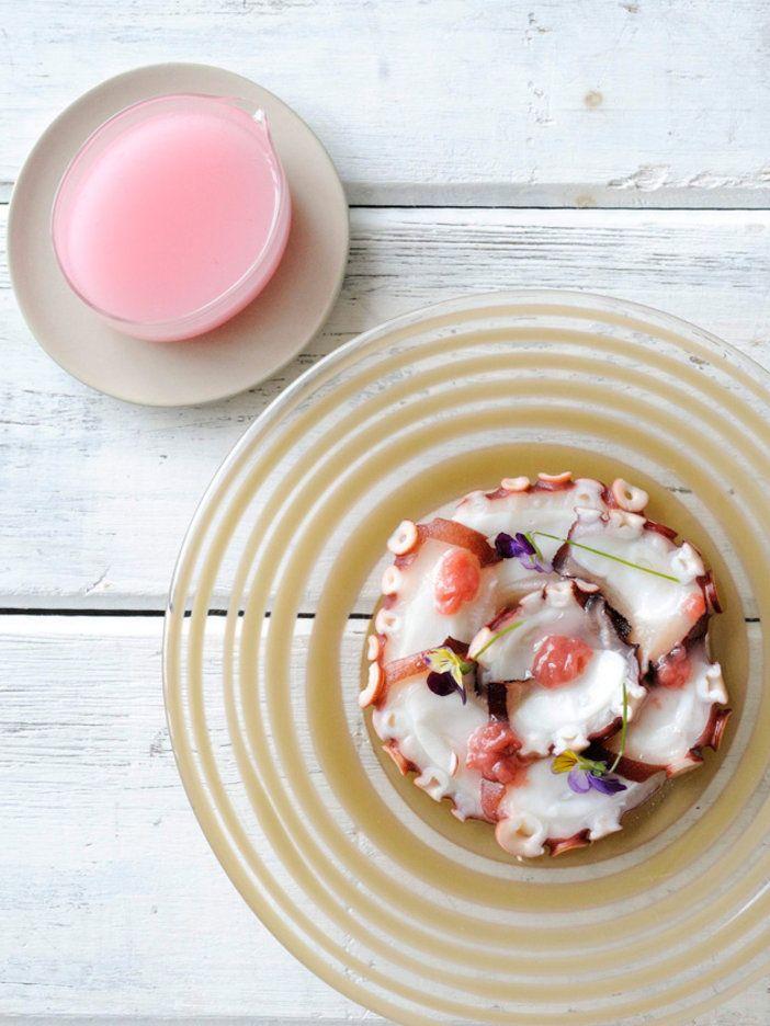 タコのカルパッチョに、果肉とともに添えて。|『ELLE a table』はおしゃれで簡単なレシピが満載!