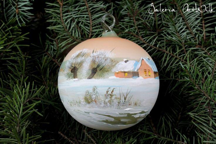 Bombka Bombka ręcznie malowana o średnicy 100mm ze specjalnie wygiąganym haczykiem szklanym. Malowana trwałymi farbami artystycznymi. Pakowana wpudełko jednostkowe i karton
