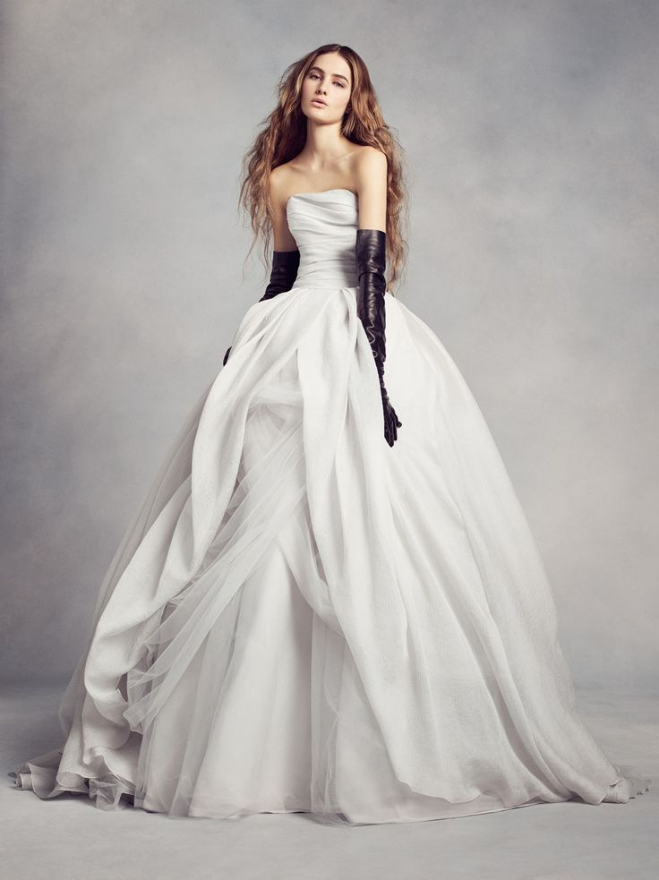 207 best images about white by vera wang wedding dresses for Vera wang wedding dress used