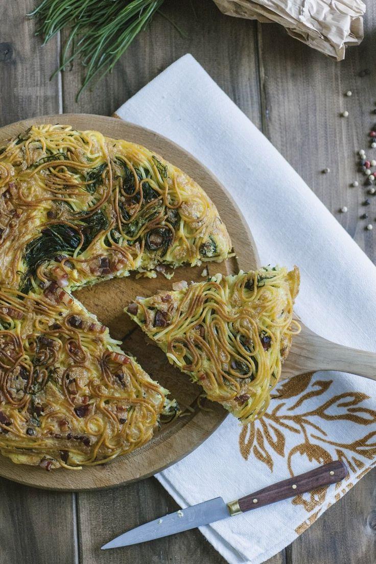 Frittata di spaghetti: #Gita fuoriporta in programma? Non ti resta che mettere nel cestino la #frittata di #spaghetti. Scopri come l'ho preparata nella mia ricetta!