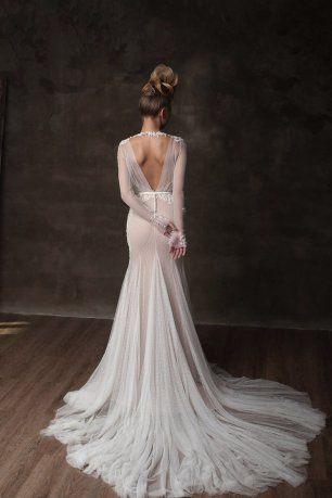 Открытая спинка свадебного платья