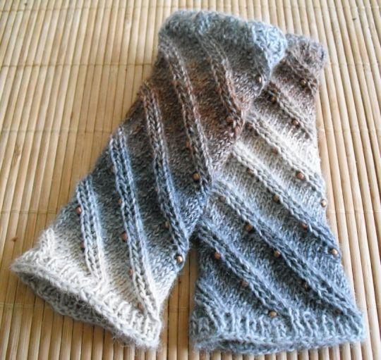 172 best Stulpen images on Pinterest | Fingerlose handschuhe, Socken ...