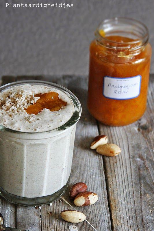 Veganmofo2014  #26       Ik heb al in mijn review van The Vibrant Table  genoemd dat ik het basis recept zou plaatsen van haver yoghurt. Hav...