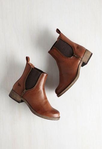 Cute zipper booties! #FallFaves http://www.revolvechic.com/#!/c21as