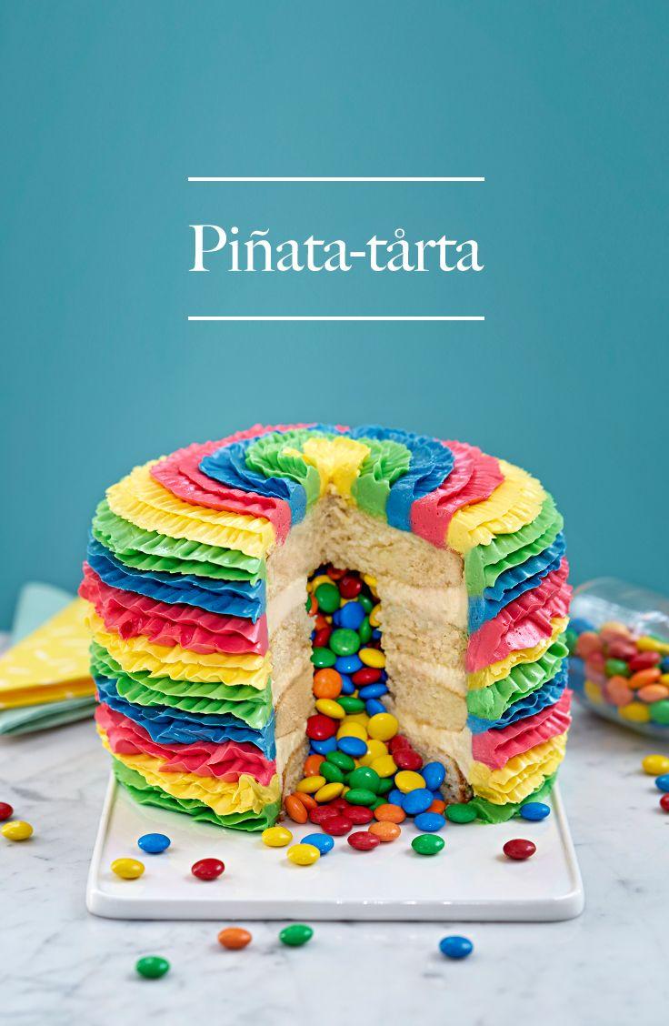 En färgglad och kreativ piñata-tårta med smak av citron! Hur kvargsmarrigt låter inte det? Festlig som avslutning på en vanlig taco-fredag. Men kom ihåg – det här är ingen tårta man ska slå på tills den går sönder. Den ska bara njutas av! Med ett glas iskall mjölk till förslagsvis. ¡Viva Piñata! #baka #kvarg