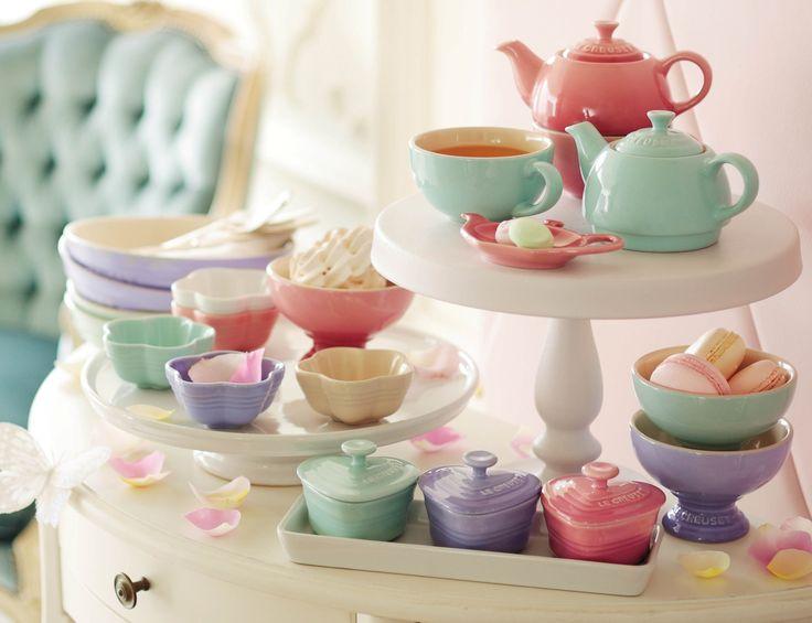【Le Creuset 2014SS「French Pastel」】 ル・クルーゼの春夏コレクション「French Pastel」の発売が開始いたしました!ロマンチックで甘美な気持ちを誘う優しいパステルアソートが、夢見心地な昼下がりを演出。テーブルコーディネートの楽しみを広げます。http://ow.ly/u0Hwd