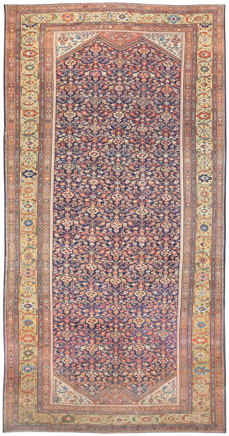 Antique Persian Sultanabad Rug, Country Of Origin / Rug Type: Persian Rugs, Circa Date: 1900 11 ft 6 in x 22 ft (3.51 m x 6.71 m)