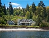 Mercer Island, Medina, Bainbridge Island offering up some goodies - Seattle waterfront homes for sale right now. Seattle waterfront homes.