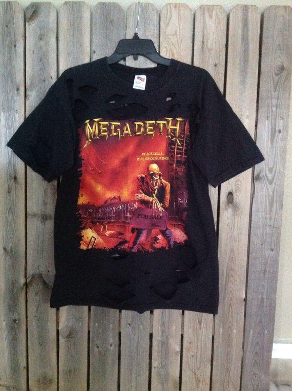 MegaDeth band cut shirt.  Great grunge concert shirt  Made from a size large shirt    ~~~~~~~~~~~~~~~~~~~~~~********~~~~~~~~~~~~~~~~~~~~~~~~  I