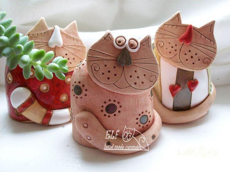 kočka Vanda Keramický ručně modelovaný zvonek,glazovaný barvami s efekty. velikost.....8 cm