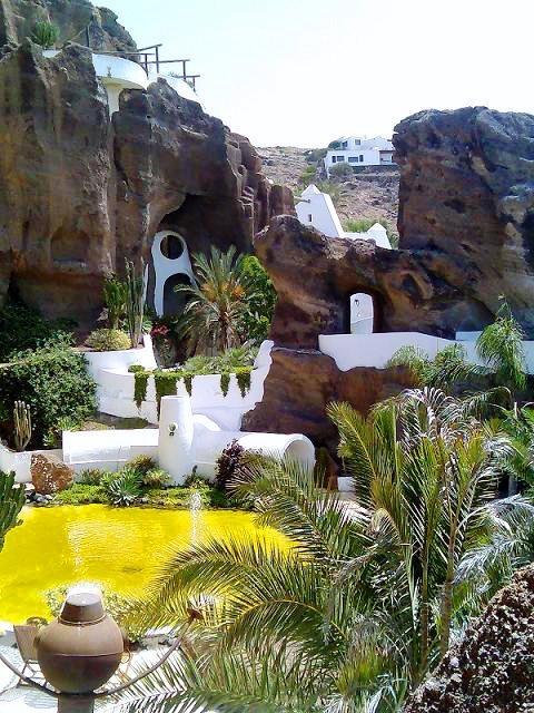 Lanzarote - lava caves César Manrique