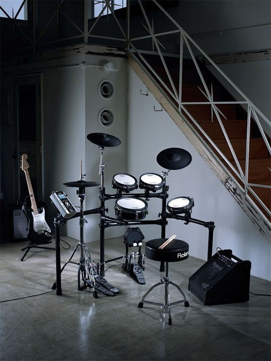 That's my instrument an electronic drumset frtom Roland (without the guitar ;-). I play the drums with my most liked songs