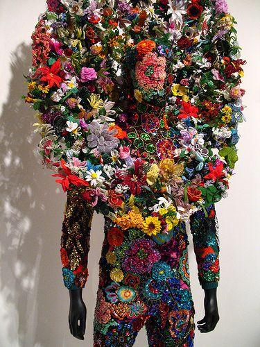 Nick Cave by vanessa.michelle 造花でのディスプレイだけど凄い!よく考えつくな!