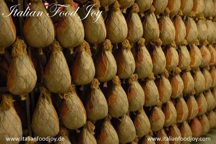 #Culatello con cotenna (Culatello mit #Speckschwarte) e fiocco di #prosciutto (Fiocco #Skinchen) von #Italian #Food Joy #Delikatessen aus #Italien www.italianfoodjoy.de