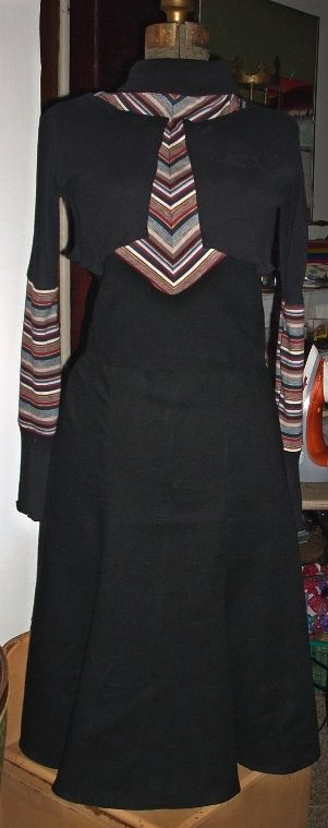 Reproduction of the dress made famous in the found pictures of Bonnie and Clyde.