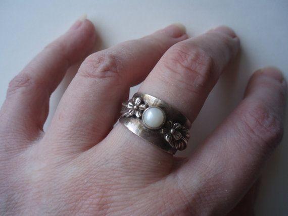 Vintage sterling silver genuine pearl ring by HoneybeedDesigns, $68.00