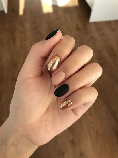 50 Simple Nail Art Ideas That Are Easy To Make – glitterous – #Art #Easy #glitterous #Ideas #Nail #Simple