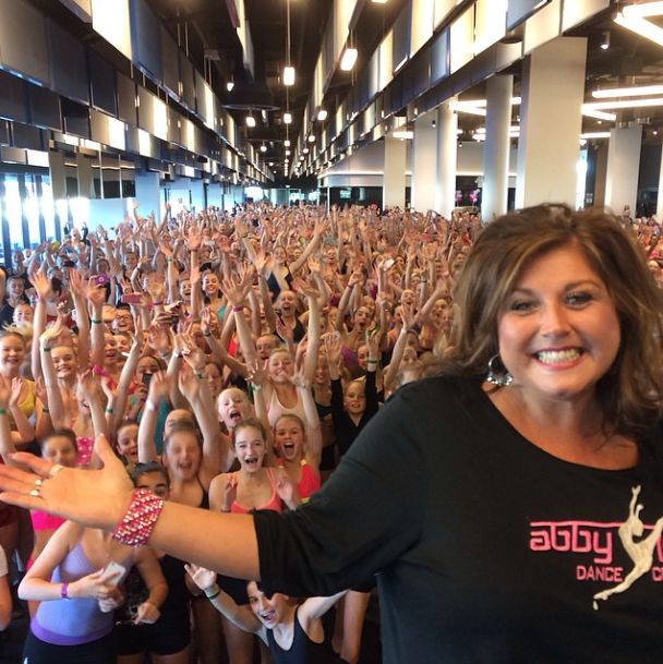 Dance Moms News 2014: Abby Lee Miller And Maddie Ziegler Take On Australia Before The Premiere Of Season 4 [VIDEO]