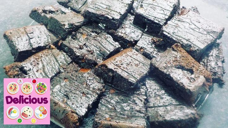 Homemade Fudgy Brownies - Fudge Brownies Recipe - How to make Flourless ...